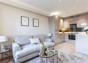 Thumbnail 1 bed flat for sale in Avenue Gardens, London