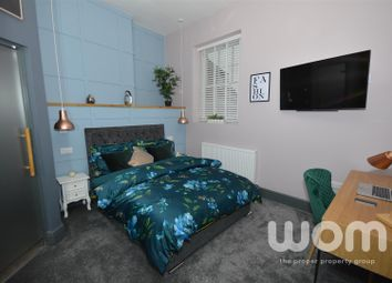 Room to rent in Hartshill Road, Hartshill, Stoke-On-Trent ST4