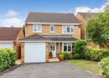 Thumbnail 3 bed detached house for sale in Woodavon Gardens, Thatcham