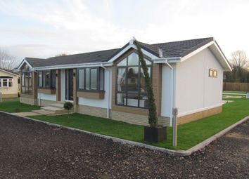 Thumbnail 2 bed mobile/park home for sale in Duvall Park (Ref 5761), Upper Heyford, Bicester, Oxfordshire