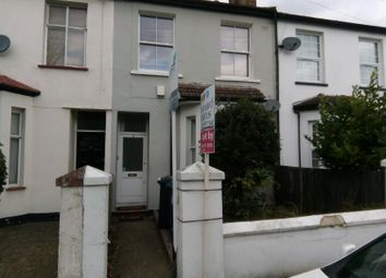 Thumbnail 2 bed flat to rent in Rosebank Road, London