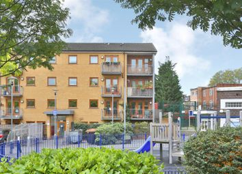 2 bed flat for sale in Cazenove Road, London N16
