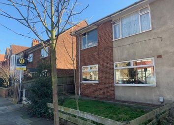 2 bed maisonette to rent in Carlyle Road, London W5