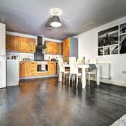 Thumbnail 1 bed flat to rent in St. James's Road, Brentwood