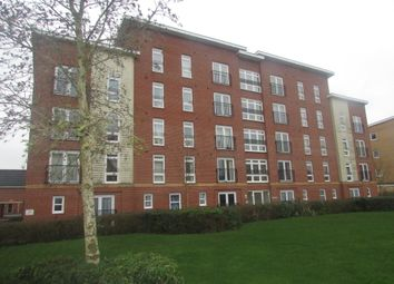 Thumbnail 2 bedroom flat to rent in Little Hackets, Havant