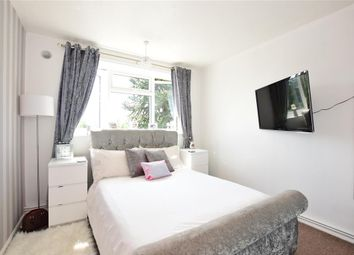 2 bed maisonette for sale in Shrublands Close, Chigwell, Essex IG7
