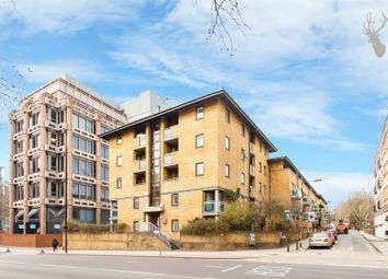 Thumbnail 1 bed flat to rent in East Smithfield, Wapping, London