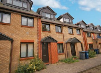 Thumbnail 2 bedroom flat to rent in Sleaford Street, Cambridge
