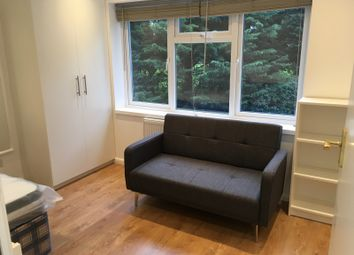 Room to rent in Oldfield Lane South, Greenford UB6