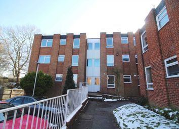 2 bed flat to rent in Wilton Road, Reading RG30