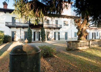 Thumbnail 8 bed villa for sale in Casorate Sempione, Casorate Sempione, Varese, Lombardy, Italy