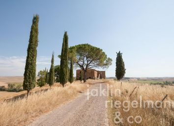 Thumbnail 6 bed country house for sale in Italy, Tuscany, Siena, Siena.
