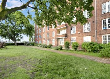 Thumbnail 3 bed flat to rent in Welland Street, London