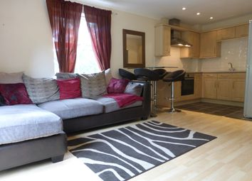 3 bed flat to rent in Lawson Wood Drive, Meanwood, Leeds LS6