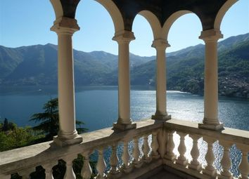Thumbnail 6 bed villa for sale in Moltrasio, Italy