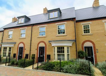 Central Avenue, Brampton PE28. 3 bed town house