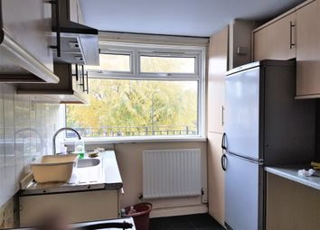 Thumbnail Room to rent in Glengall Grove, Isle Of Dogs