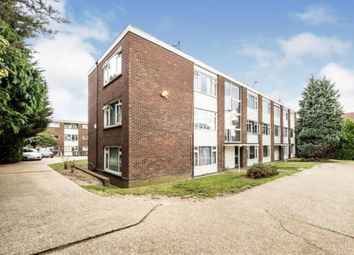 Studley Drive, Ilford IG4. 2 bed flat