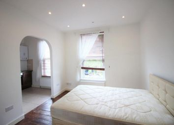 Thumbnail Studio to rent in Cazenove Road, Stoke Newington