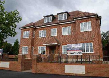 Thumbnail 2 bed flat to rent in Green Lane, Hendon