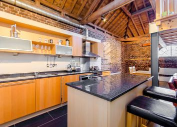 Thumbnail 2 bed flat to rent in Hertsmere Road, Docklands
