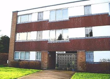 Thumbnail 3 bed flat to rent in Blunesfield, Potters Bar, Herts