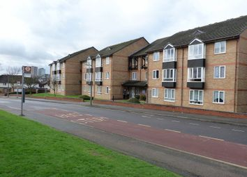 Thumbnail 2 bed flat for sale in Oak Lodge, Sutton