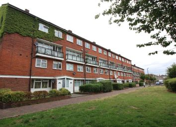Thumbnail 4 bed flat to rent in Olney Road, Kennington, London