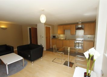 Thumbnail 1 bed flat to rent in Velocity South, City Walk, Leeds