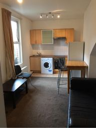 2 bed property to rent in Chestnut Avenue, Hyde Park, Leeds LS6