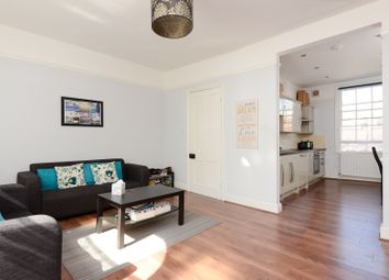 Thumbnail 2 bedroom flat for sale in Bank Street, Ashford