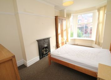 Thumbnail Room to rent in Roundhay Mount, Chapel Allerton, Leeds