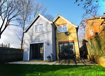 Venetia Close, Emmer Green, Reading RG4. 4 bed detached house