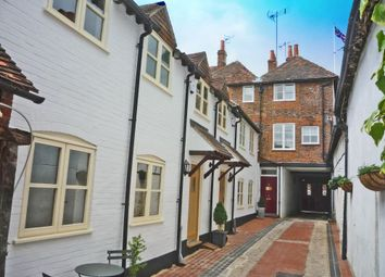 Market Place, Henley-On-Thames RG9. 2 bed town house