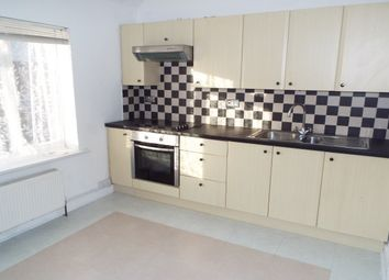 Thumbnail 1 bedroom flat to rent in South Farm Road, Broadwater, Worthing