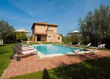 Thumbnail 8 bed country house for sale in Casale E Az. Agricola Lo Splendore, Montepulciano, Siena, Tuscany, Italy