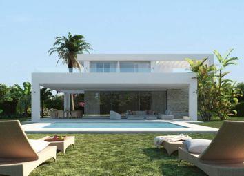 Thumbnail 4 bed villa for sale in Spain, Málaga, Marbella, Río Real