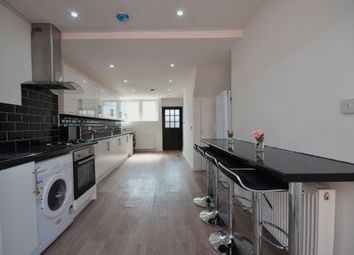 Victoria Dock Road, London E16. 4 bed terraced house