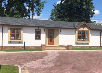 2 bed mobile/park home for sale in Five Furlong Caravans, Queen Street, Paddock Wood, Tonbridge TN12