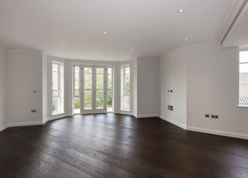 Thumbnail 2 bed flat to rent in Broomhouse Lane, Fulham