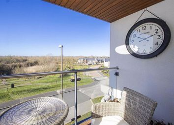 6 Larson Close, Oakgrove Village, Milton Keynes MK10. 2 bed flat for sale