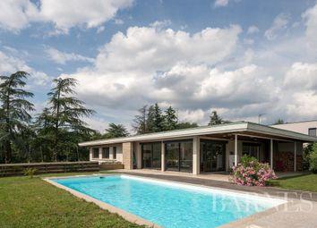 Neuville-Sur-Saône, 69250, France. 7 bed property