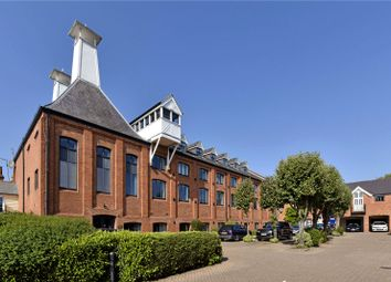 Thumbnail 2 bed flat to rent in New Street, Henley-On-Thames, Oxfordshire