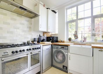 Thumbnail 2 bedroom flat for sale in Clarence Court, Bounds Green