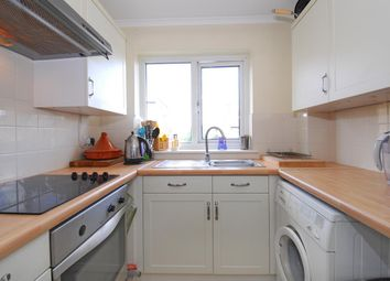 Thumbnail 1 bed flat to rent in Gosberton Road, London