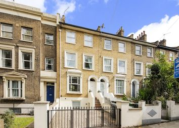 Amersham Road, London SE14. 3 bed flat
