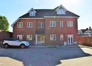 Thumbnail 1 bed flat to rent in 359 Vicarage Farm Road, Hounslow, Middlesex