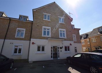 Thumbnail 1 bedroom flat to rent in Brownlow Close, New Barnet, Herts