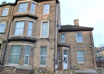 Thumbnail 1 bed flat to rent in 136 Spring Bank, Hull