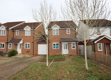 Thumbnail 3 bed detached house to rent in Coniston Close, Woodley, Reading